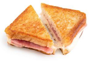 Ost-og-skinke-toast